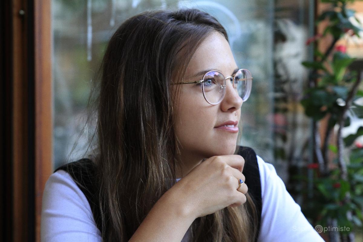 laura gagne musique photo franck billaud saphir optimiste portrait entrevue photoptimiste reflexion vision lunettes